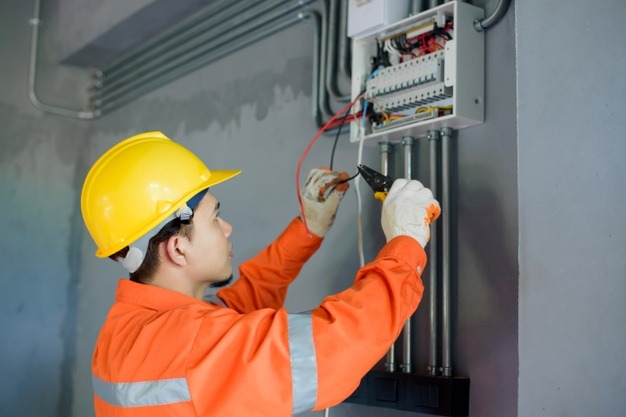 Instalacje elektryczne w domu Niepołomice